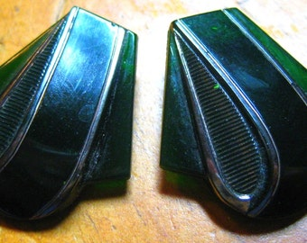 Art Deco Green glass shoe clips