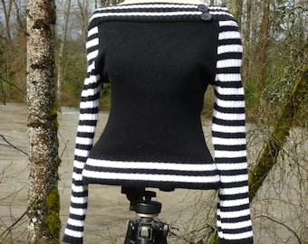 LYCRA Made in Britain, long sleeve, black & white striped, stretchy sweater tagged 3 It's a small I'd say..