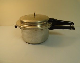 Mirro Matic 4 Quart Pressure Cooker