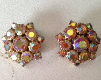 Unsigned Weiss Aurora Borealis Star Snowflake Clip Earrings 0388