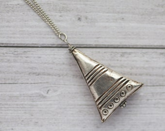 Triangle silver layer necklace on stainless steel chain / Prakeuam silver handcrafted by Khwao Sinarin silversmiths