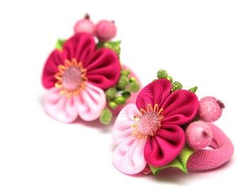 Set of 2 Kanzashi ponytails. Fuchsia, pink, green. Kanzashi fabric flowers. Kanzashi ponytails. Ponytail holders