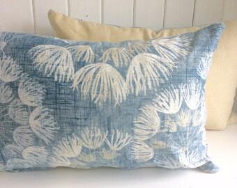 Soft Blue // Dandelion // Cushion Cover // Decorative Pillow // Throw Pillow // Classic // Floral // Contemporary // Lumbar // Rectangle