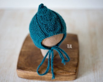 Newborn knitted cable hood