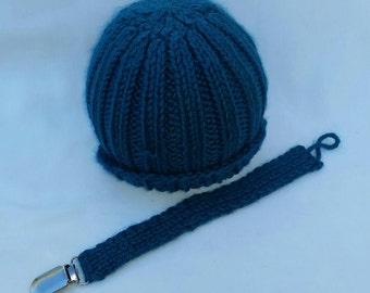 Handmade 0-6M Knit Hat with Pacifer Clip