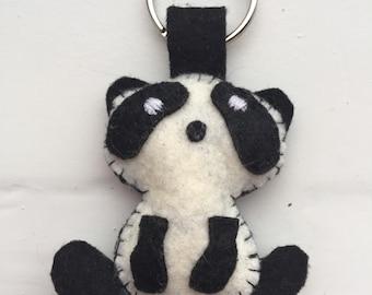 Felt keyring black&white panda