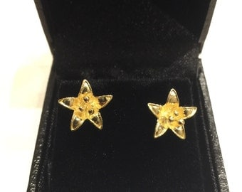 Gold Flower Stud Earrings in 14K yellow gold