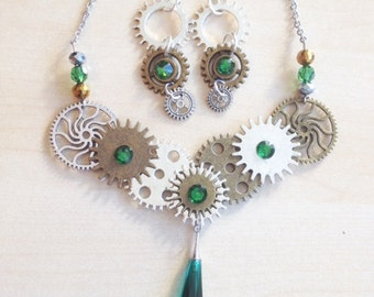 Steampunk jewelry set with cogs, gears and Swarovski crystal green
