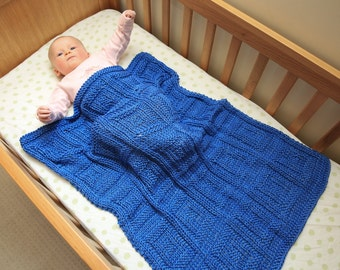 Beautiful cotton baby blanket. Hand knitted