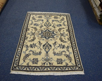 Beautiful Persian Naien Rug
