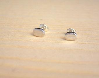 Sterling Silver Oval Pebble Sterling Silver Stud Earrings Minimalist Simple Design m64