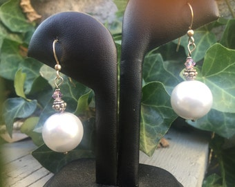 Round Pearl dangle earrings