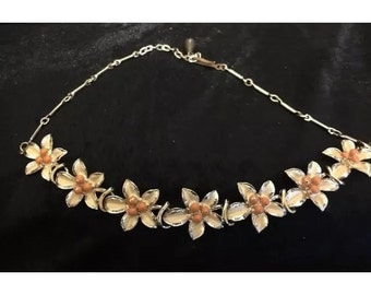 Lovely vintage 1950s Coro type necklace
