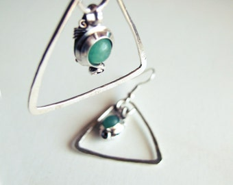 Hammered - ethnic green triangles - aventurine - loops