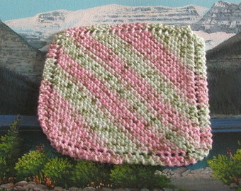 0428 Hand knit dish cloth 7.5 by 7