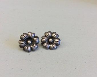 Vintage screwback earrings