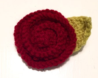 Small Rosette Clip in Cranberry