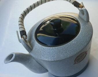 SALE 70s Vintage Stoneware Teapot / Stoneware / Tea / Teapot / Tea Maker / Tea Cup / Leaves / Leaf / Stucco/Classic/ Christmas in July / CIJ