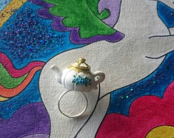 GO ASK ALICE magical teapot ring