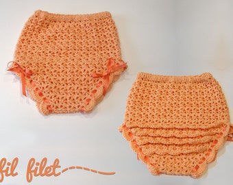 Crochet diaper cover with ruffles and bows