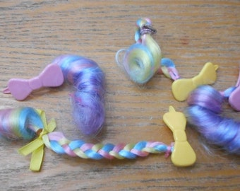 Pixie Tail Fakie / My little Pony / VINTAGE HAIR CLIPS with hair curls barrettes 80's