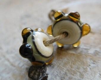 Pearls lampwork, craft creation.