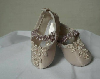 Dust Pink Lace Baby Shoes