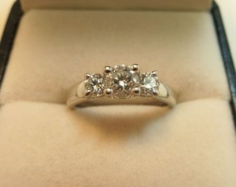 vs diamond engagement ring