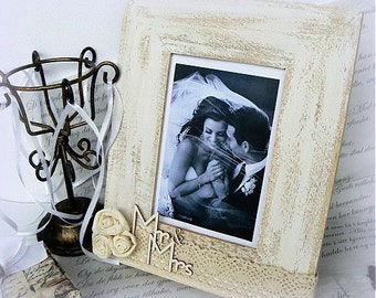 "Wooden picture frame ""Mr. & Mrs."""