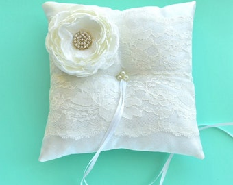 White Ring Bearer Pillow, Lace Ring Pillow