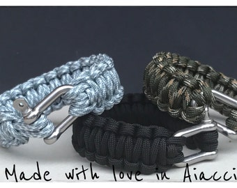 Manila and Paracord survival bracelet