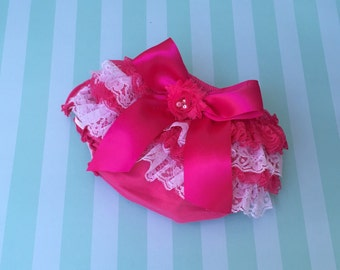 Pink and White Lace Ruffle Baby Bloomer/Diaper Cover, Vintage Lace Bloomers, Newborn Bloomers, Photography Prop, Ruffle Bloomers, Bloomers
