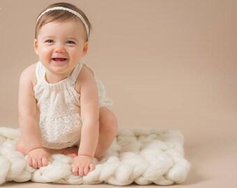 Chunky Cream Knit,  Newborn Wool Prop, Braided Chunky Mat, Bump Blanket Cream,  layering blanket,  cream wool prop by FelFur RTS