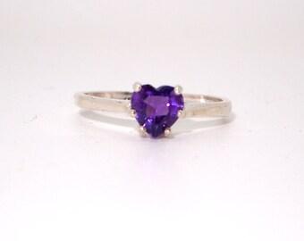 Amethyst Heart Ring,Amethyst Ring,Heart Ring,Amethyst Heart,Sterling Silver,February Birthstone,Amethyst Jewelry,Heart Jewelry,Purple Jewelr