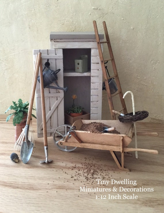 Miniature dollhouse potting shed miniature potting shed for Mini potting shed