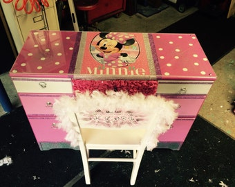 Minnie mouse  - childrens furniture - kids furniture - minnie mouse accesories - Minnie Mouse decor - kids desk - childs desk - birthday