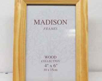 Picture Frame for 4x6 Photo Light Pine Color