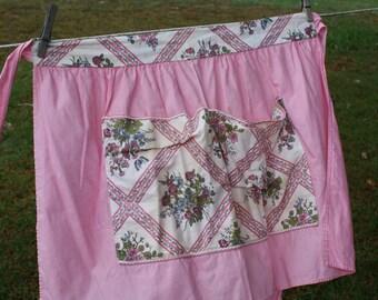 Super cute Vintage Pink Waist Apron