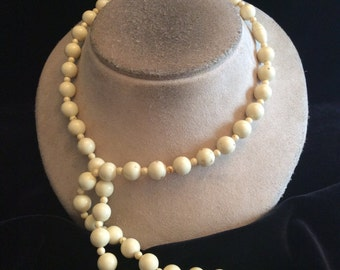Vintage Off White Beaded Necklace