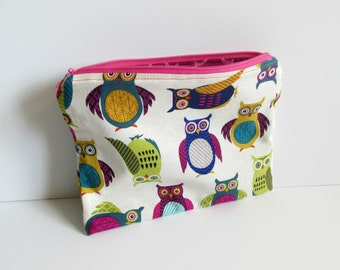 Owl Zipper Pouch / Cosmetic Bag / Animals / Retro Makeup bag