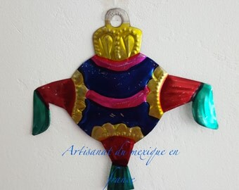 Decoration shaped pinata, pewter, made a hand by Mexican artisans.