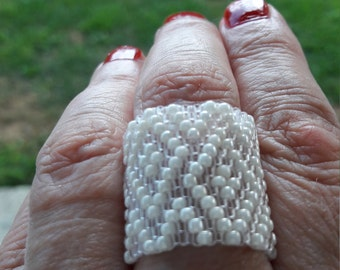 Weaving White peyote ring