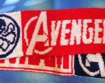 MARVEL Double-knitted Scarf