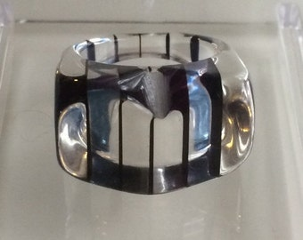 SALE 1970's Lucite Ring - size 8