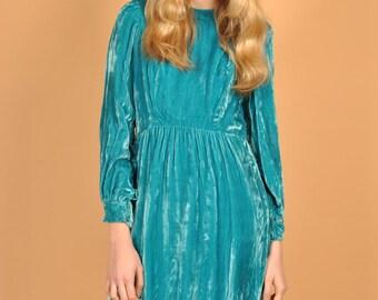 1970's Oscar de la Renta Boutique Vintage sky blue velvet dress