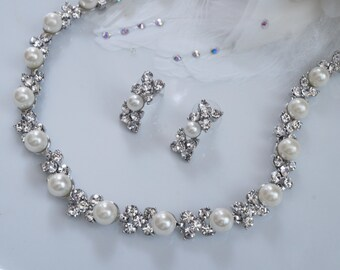 Bridal Jewelry - Pearl jewelry set - 2 piece ~ Pearls and crystals ~ Brides Jewelry set