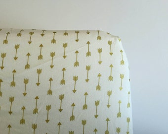 Gold arrow fitted sheet