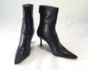 gucci leather zip up pointed ankle boots