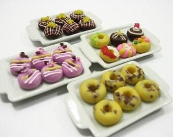 Dollhouse Miniatures Food 4 Ceramic Tray Mixed Donut Doughnut Supply Charms - 13575
