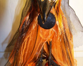 Halloween Pumpkin Crow/Gothic/Horror/Weird/Taxidermy